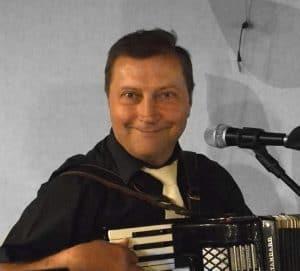 id. Karó Zoltán